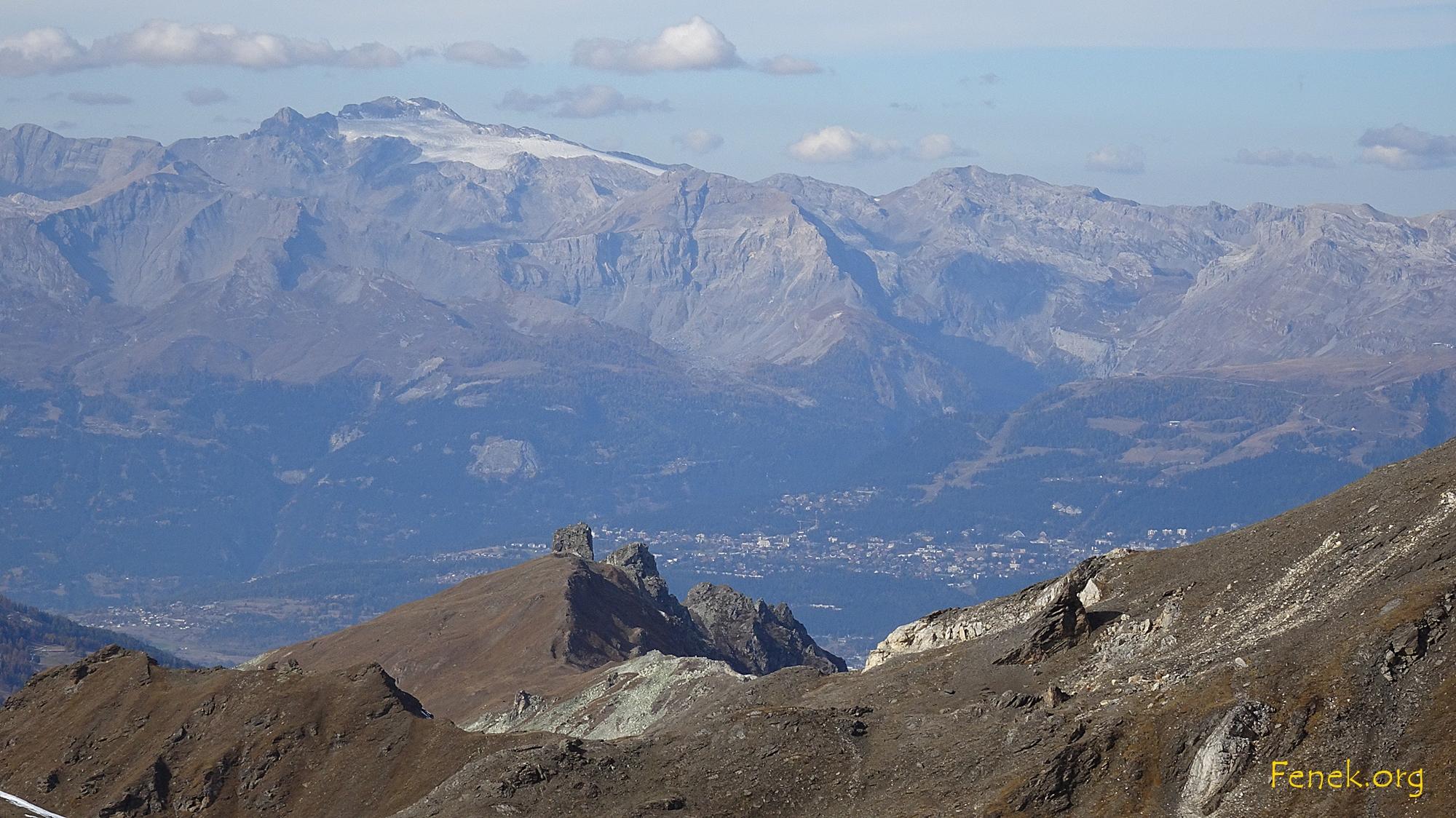 Wildhorn und Crans Montana - im Vordergrund Bec de Nava