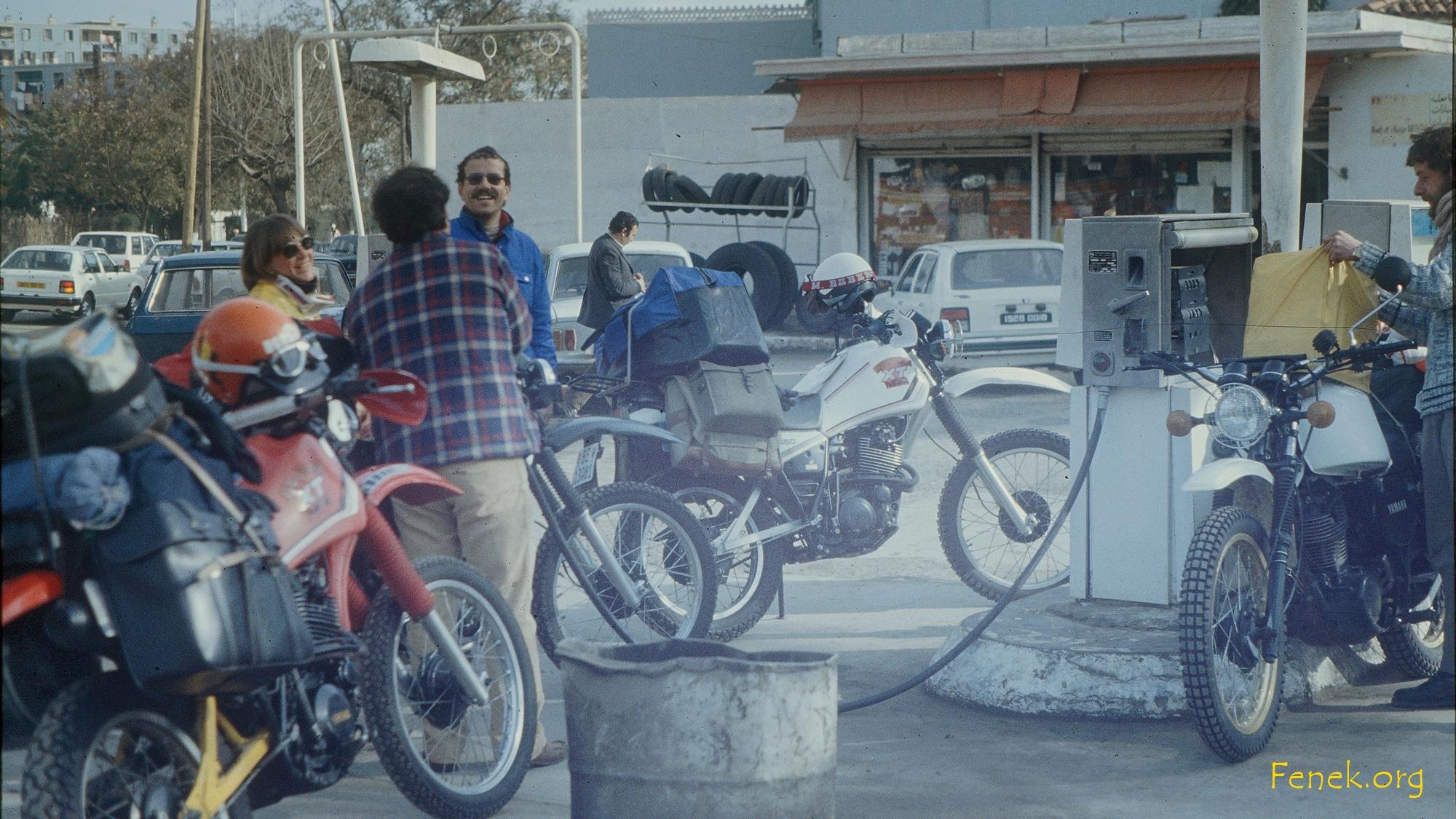 Tankstelle MIT Benzin