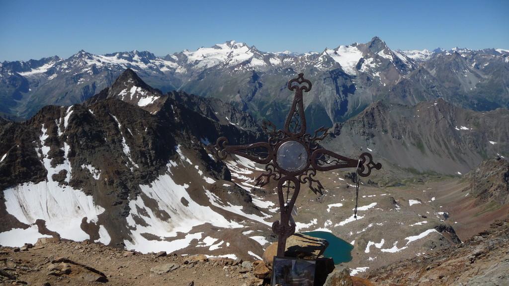 Blick zu La Grivola und Grand Paradiso