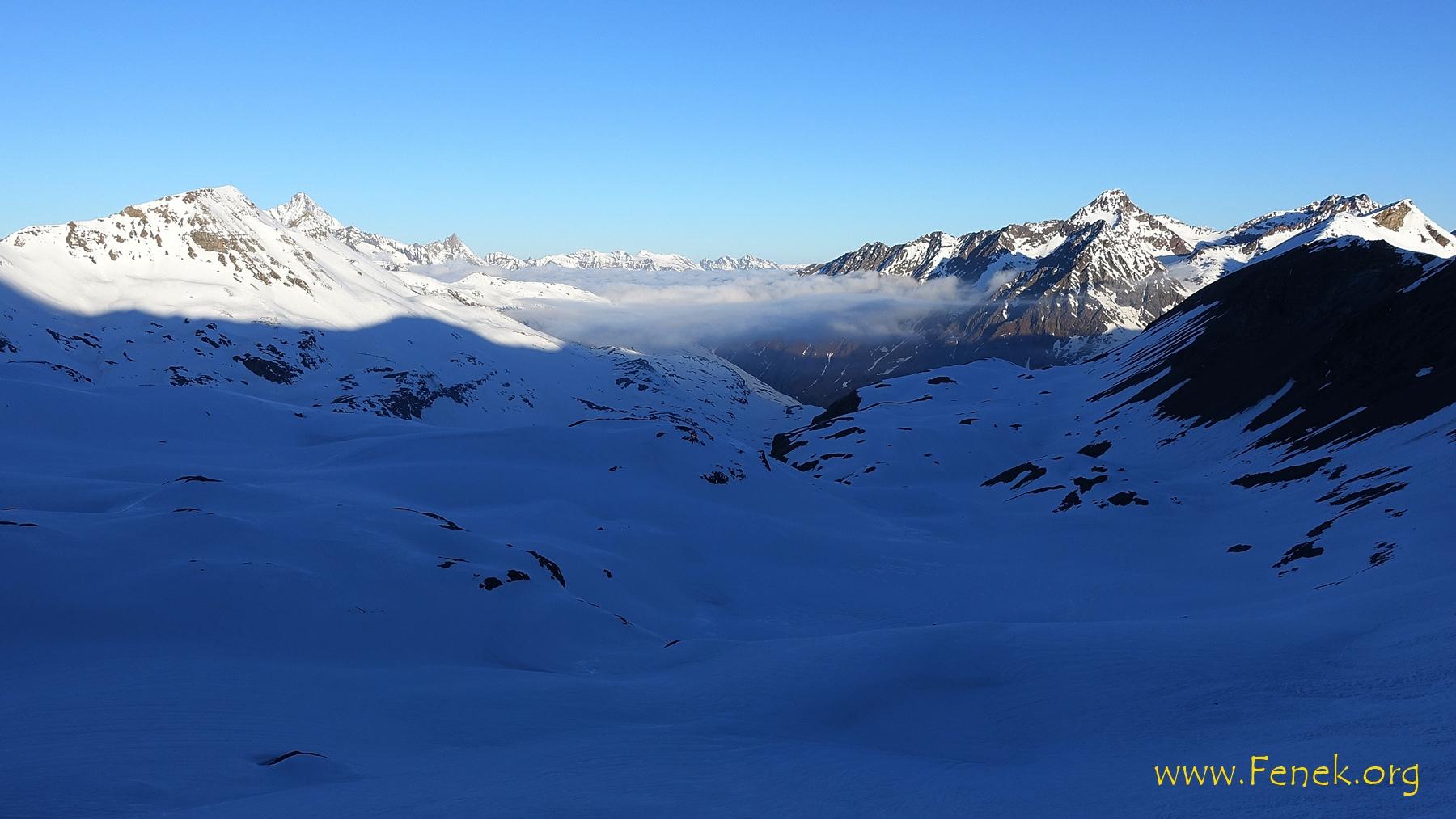 am Morgen früh ein Blick zurück (ca 3000m)