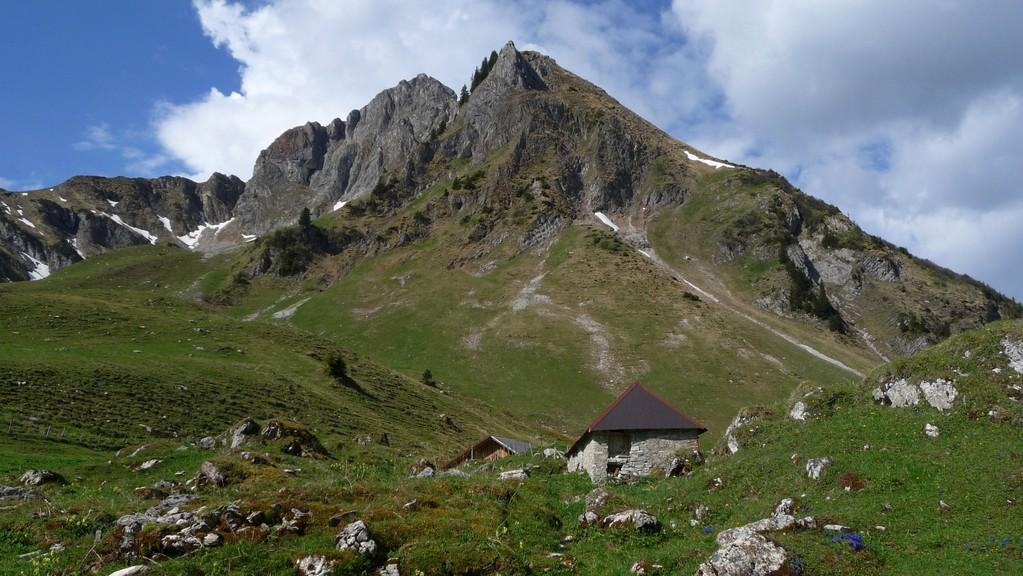 Alphütte vor dem Rotenchasten