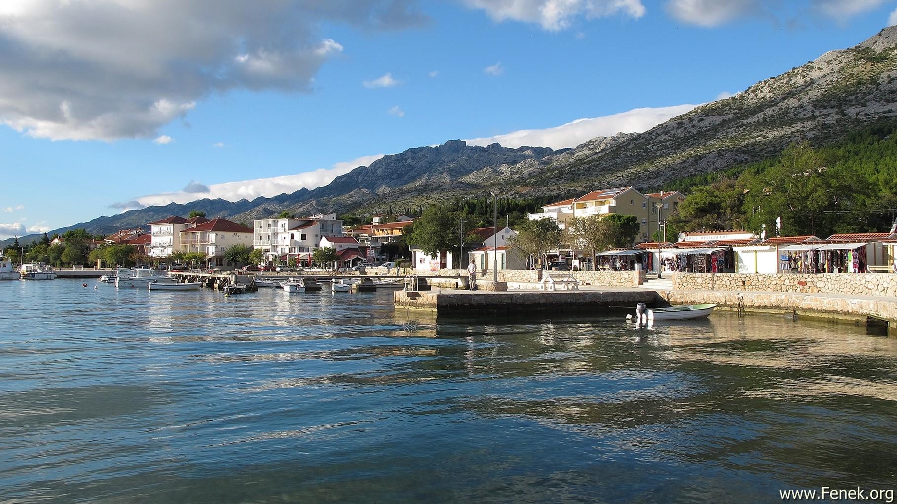Bojin Kuk vom Hafen in Starigrad gesehen....