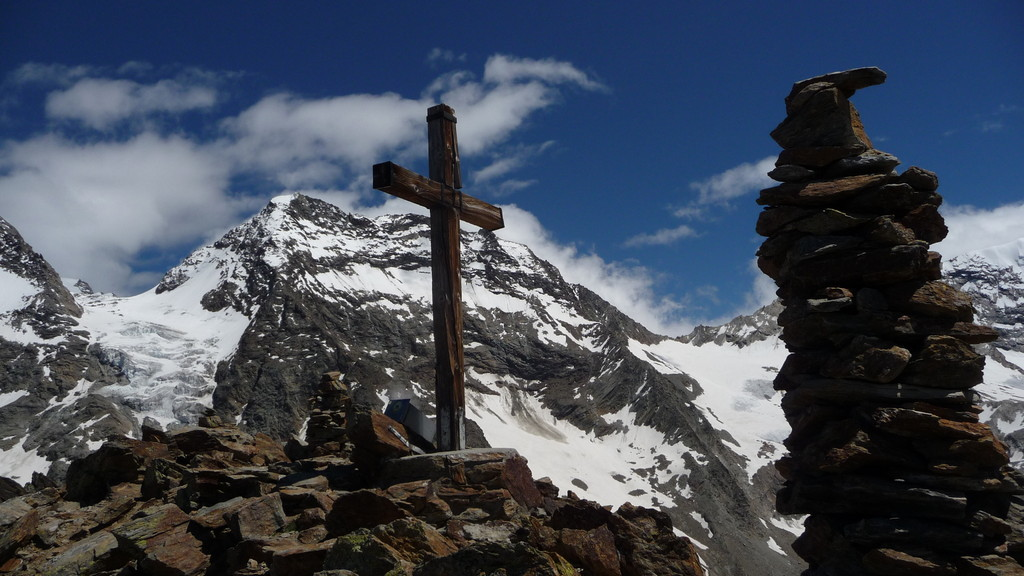 Gipfelkreuz vor Lagginhorn....