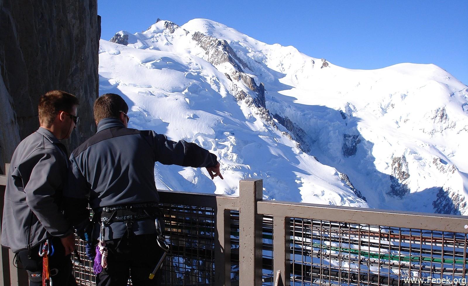 auf der Aiguille du Midi mit Blick zum Mont Blanc