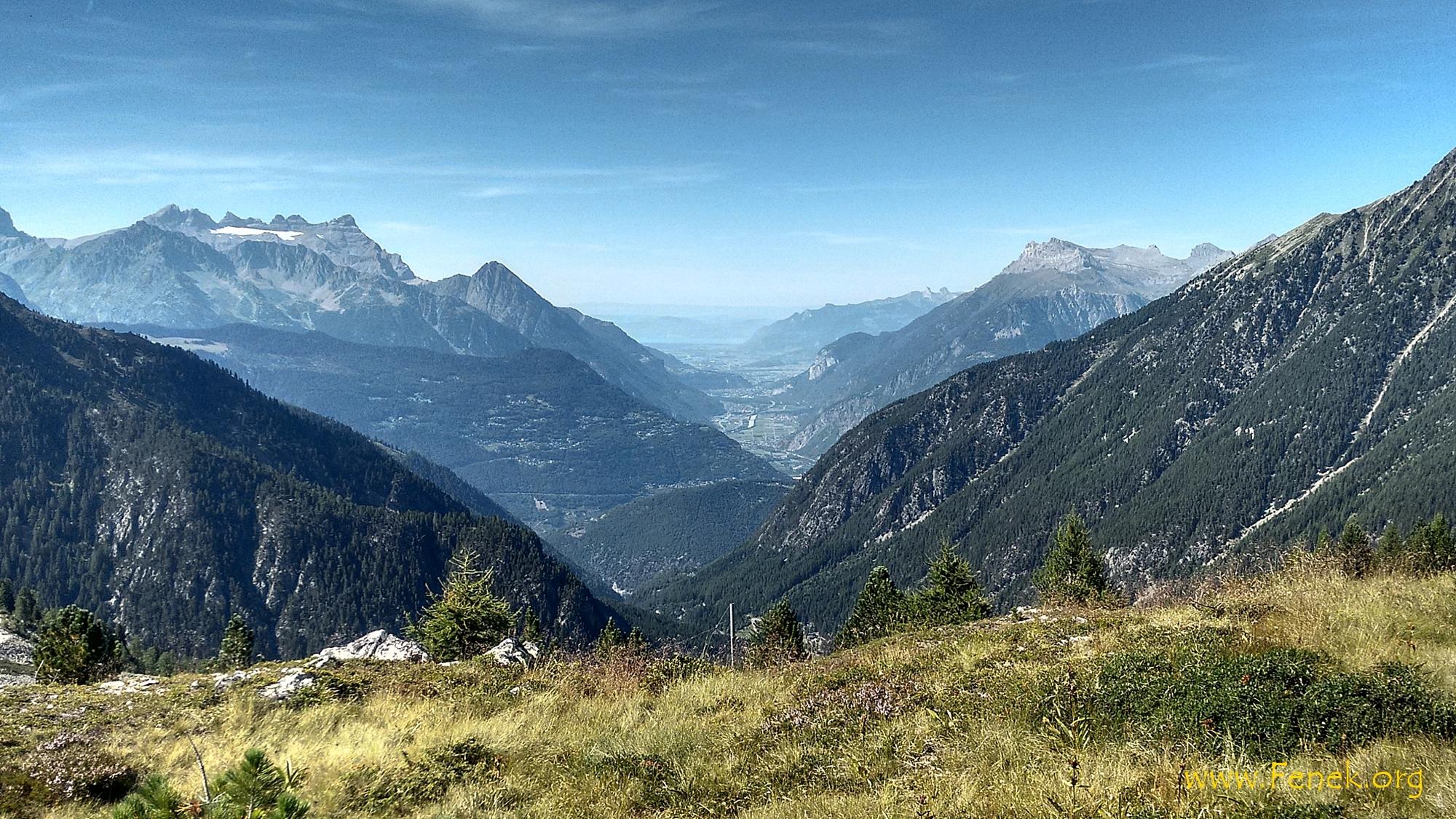 Rhonetal und in der Ferne Genfersee
