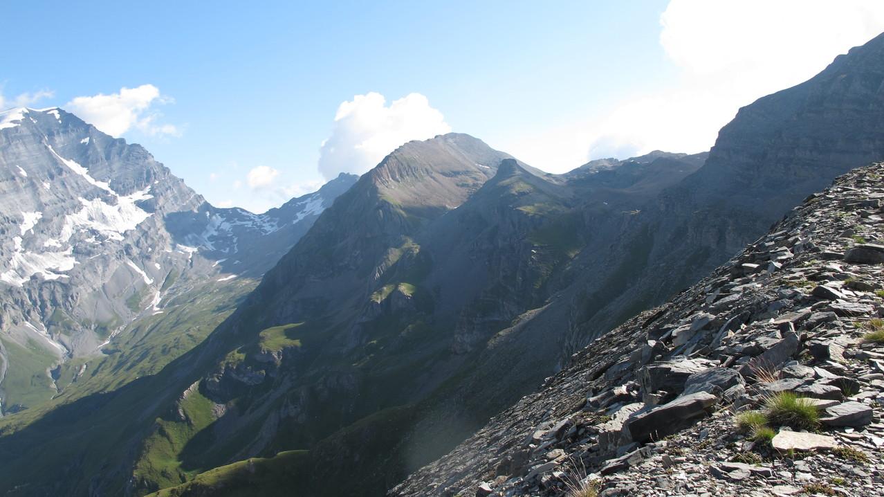 ungefähr bei Pt. 2562 Blick zum Majinghorn