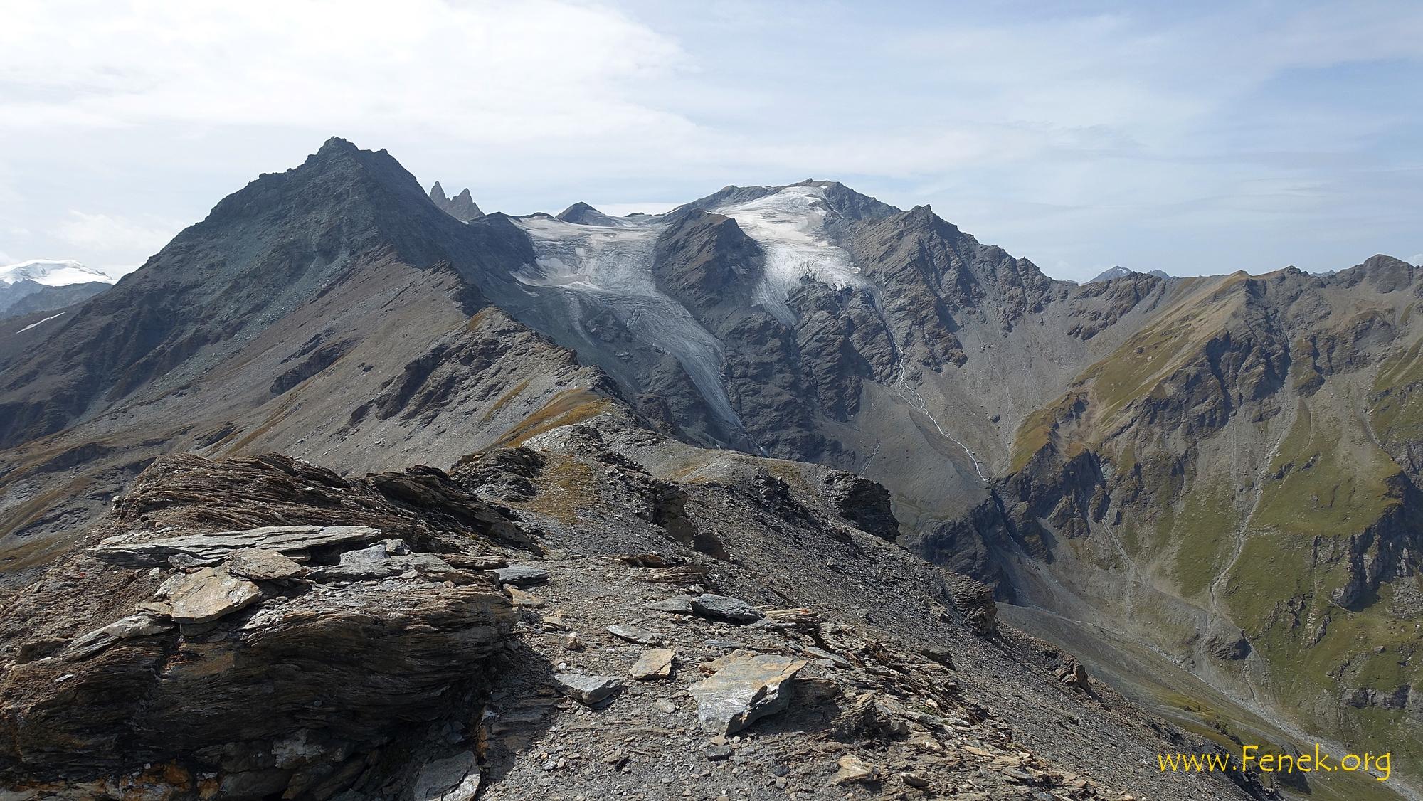 Blick über den Grat zum Mont de l'Etoile - rechts Pointe de Vouasson