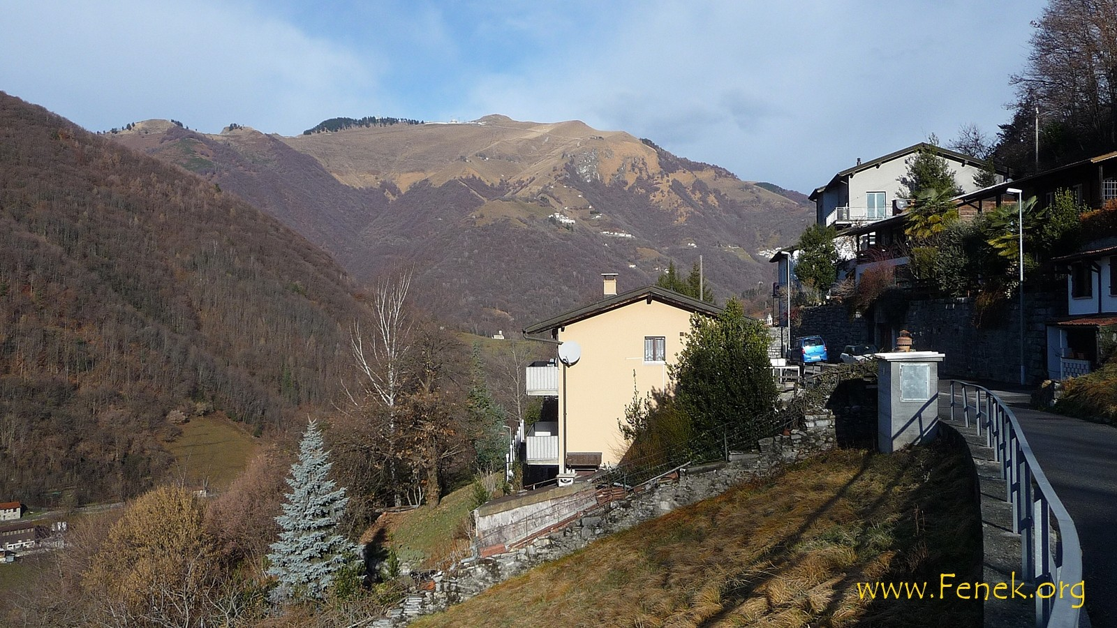 Cabbio und im Hintergrund Monte Generoso