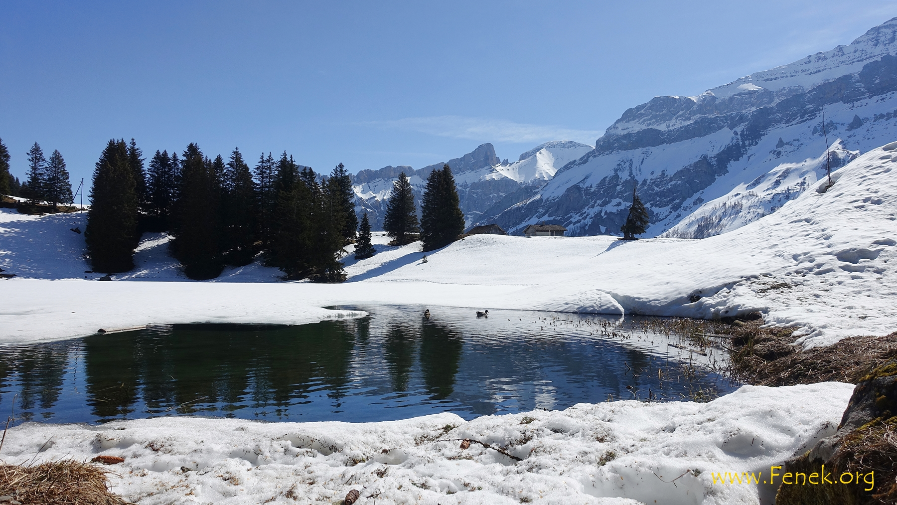 der Lac Retaud befreit sich vom Eis....