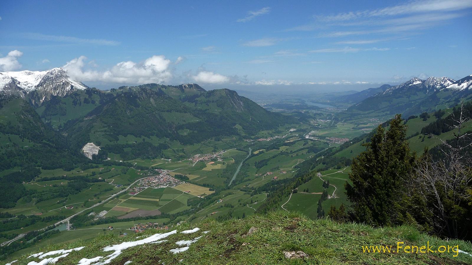 La Sarine und die Dörfer Albeuve, Neirivue und Grandvillard