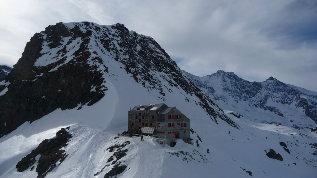 Britanniahütte vom Klein Allalin aus.....