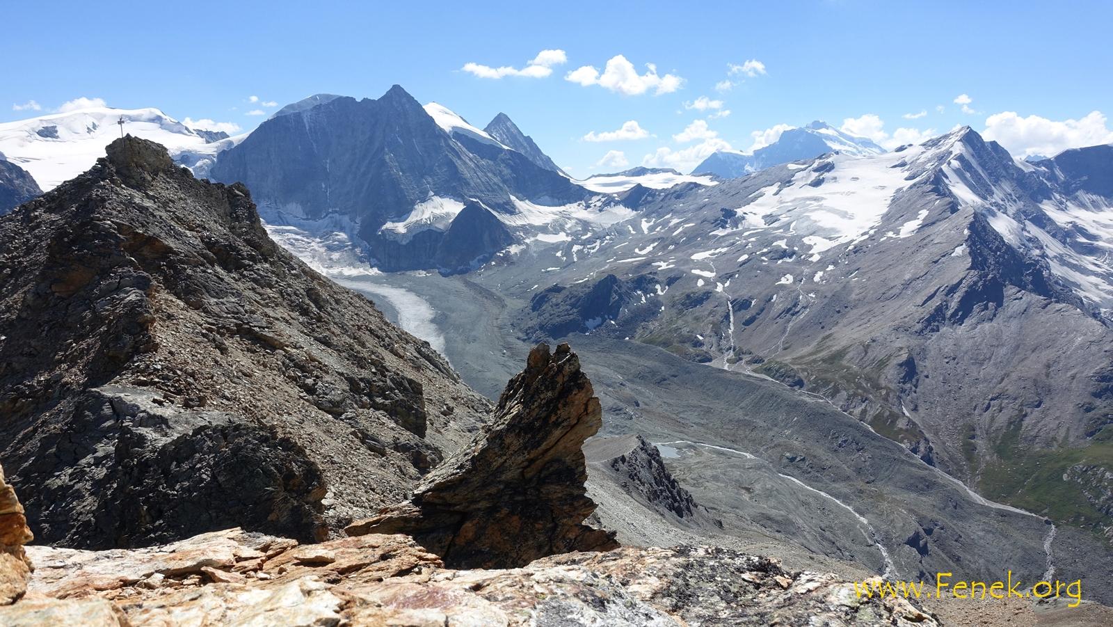 Gipfelaussicht zum Mont Blanc de Cheillon