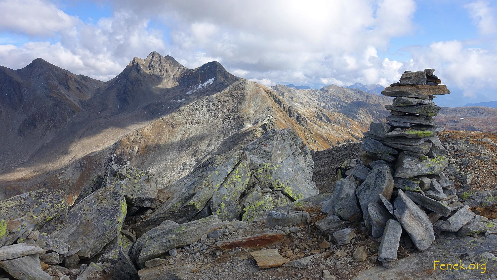 auf dem Pizzo Fortünéi - mit Blick zu den bestiegenen Gipfeln