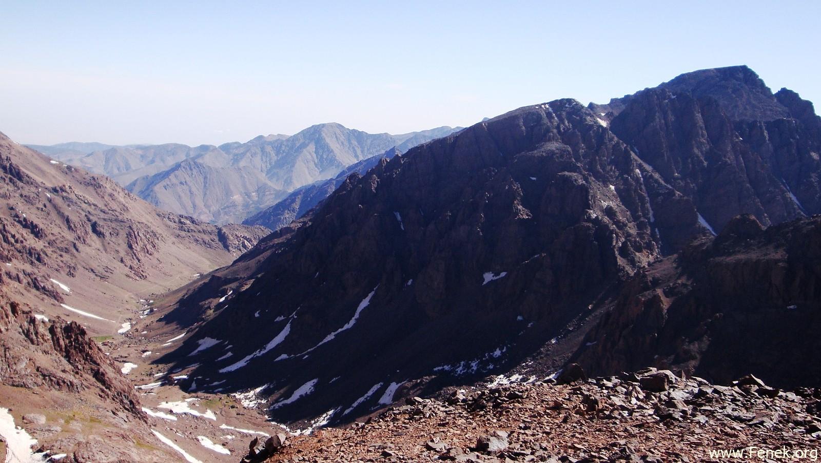 rechts der Djebel Toubkal - höchster Nordafrikaner