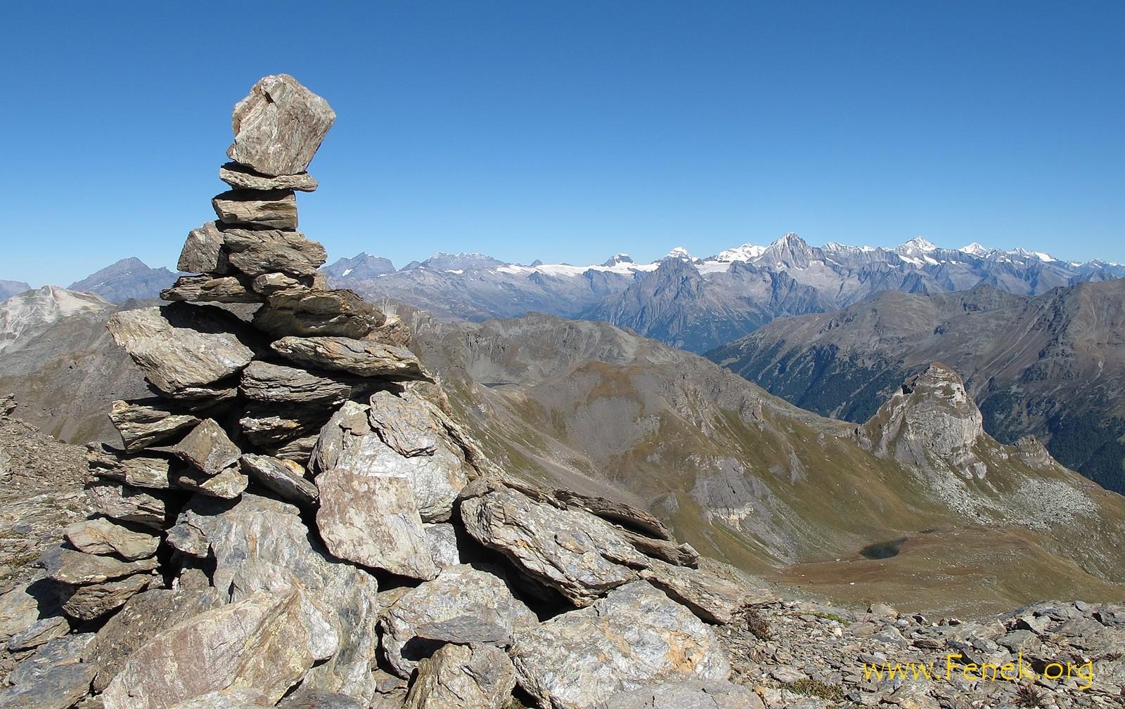 Gipfelsicht zu den Bernern und weiter....
