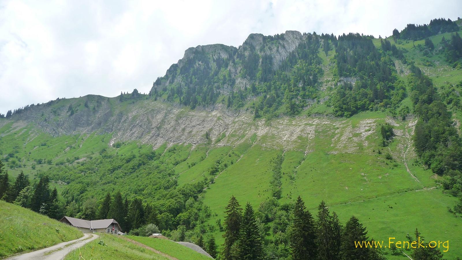 Alp Crau Dessus - oben der Nordgrat vom Dent de Corjon