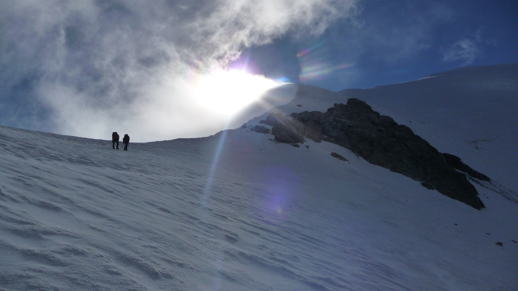 unter dem Gipfelgrat...