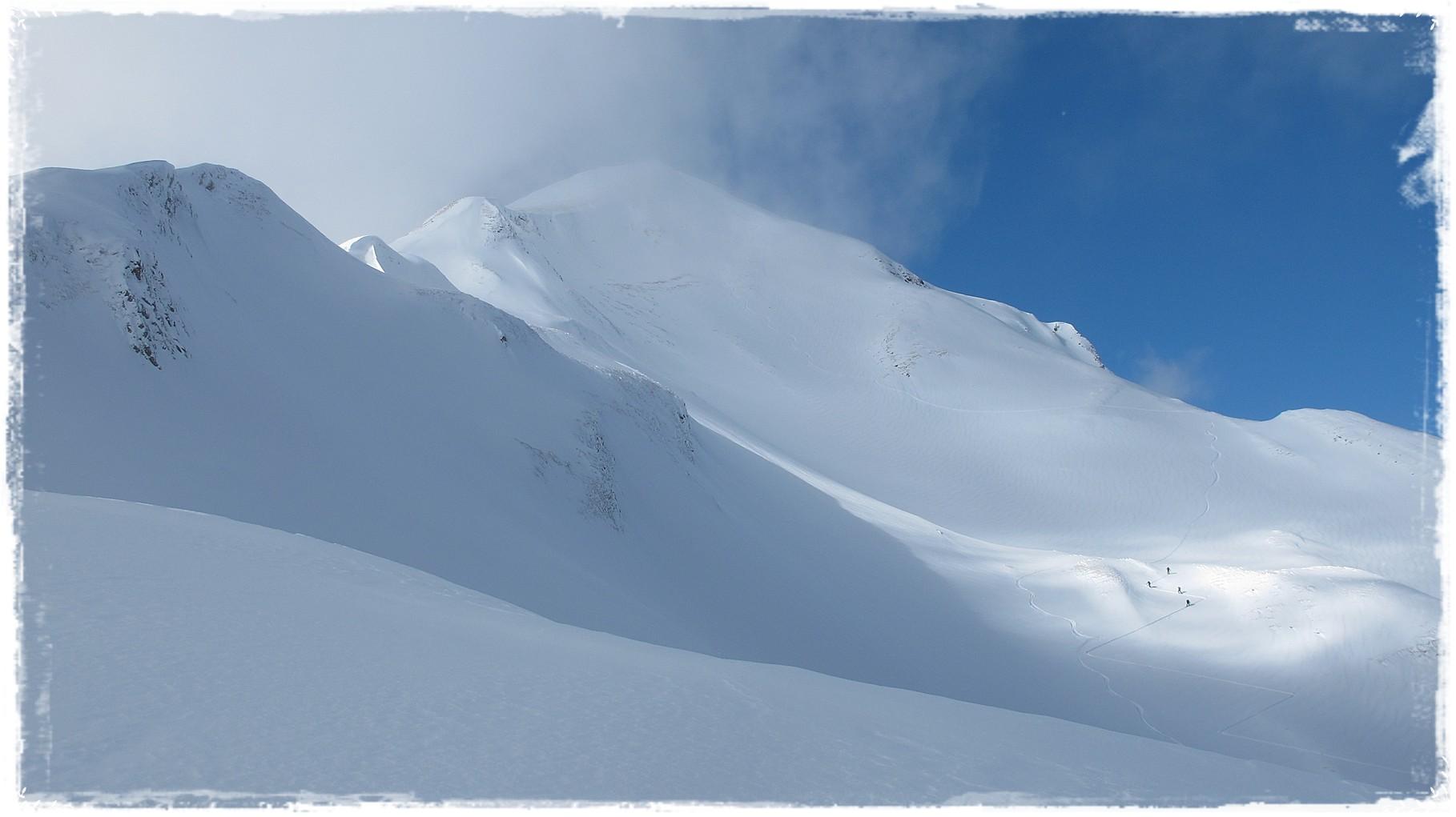 der Gipfel kommt näher und will sich verstecken