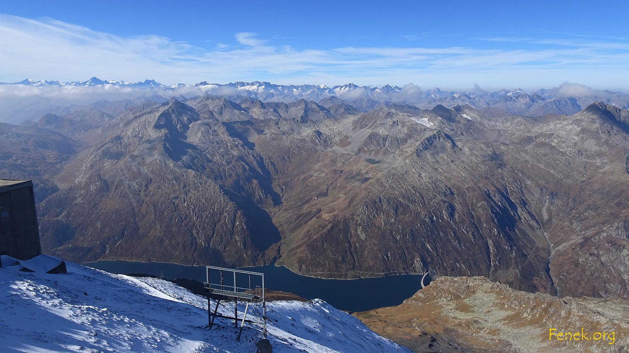 Aussicht vom Gipfel zu den Bernern