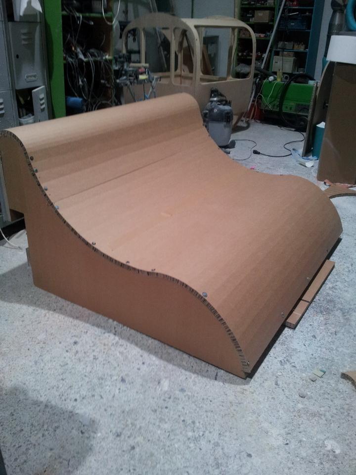 Sofa aus Pappwabenplatten