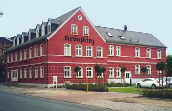 Hotel Kronprinz im Jahr 2000 schöner denn je, nach dem Abschluß der Sanierungen. Wer jetzt in Falkenberg ein Hotelzimmer oder gute deutsche Küche sucht, kehrt ein im Hotel & Restaurant Kronprinz.