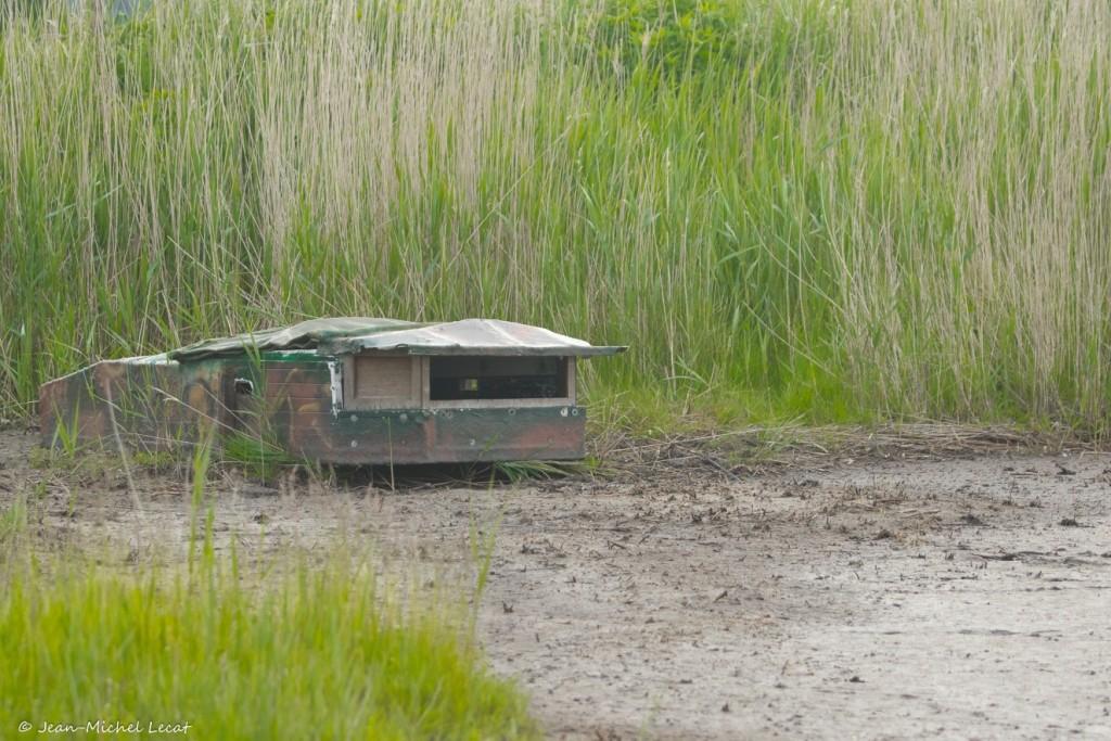 Affût couché pour la photographie d'oiseaux d'eau ou de rapaces au charnier.
