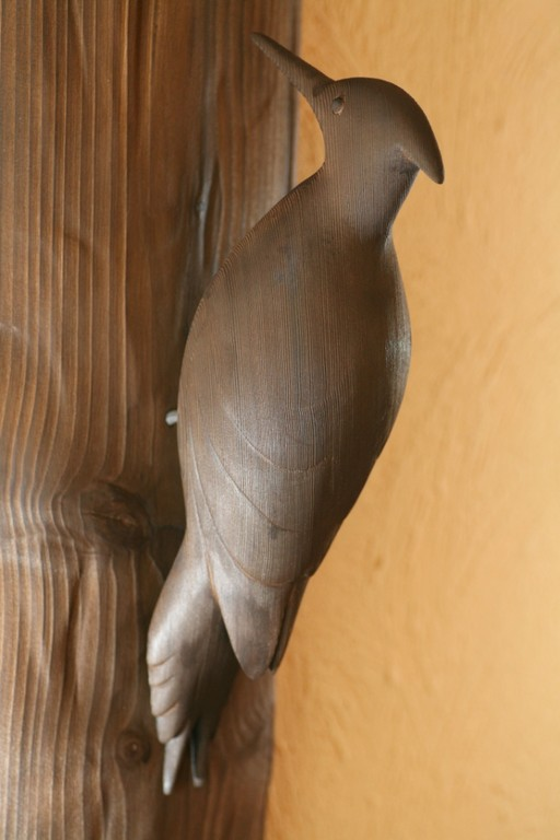 Sculpture de pic noir (Red Cedar) oiseau de bois
