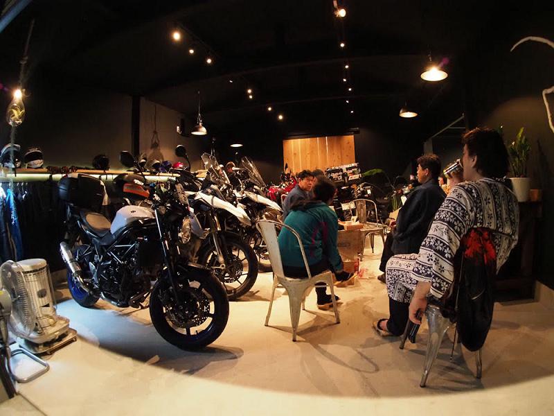 バイクガレージ談話