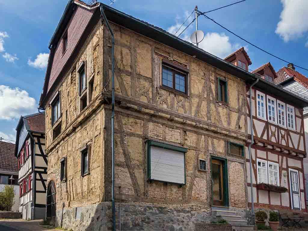 Sanierung und Reparatur von Fachwerkhäusern