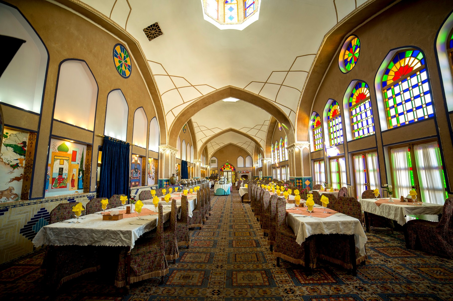 Four Star Hotel Gardenmoshir in Yazd