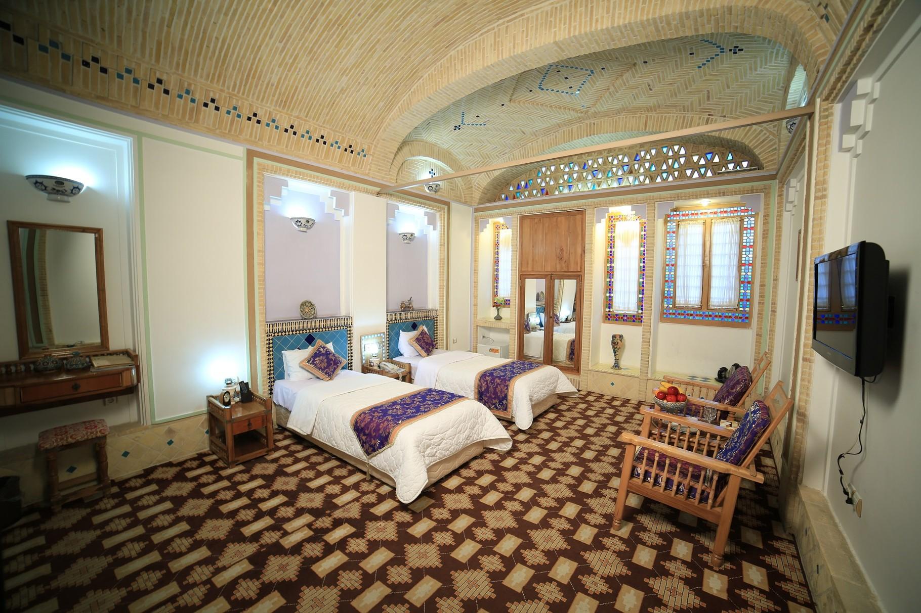 Four Star Hotel Gardenmoshir in Yazd