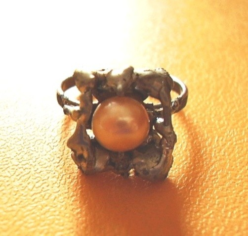 Prudence,ring,pearls,metals