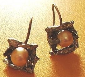 prudence,earring,pearls,metals