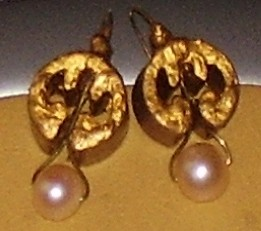 The next stage,earring,pearls