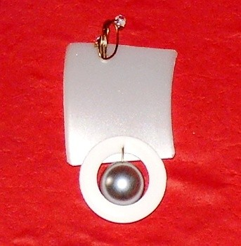 path of spiritual clarification,pendant,gold-auric,plastic