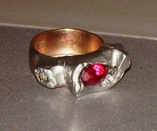 Passion,ring,gold,ruby,zircons