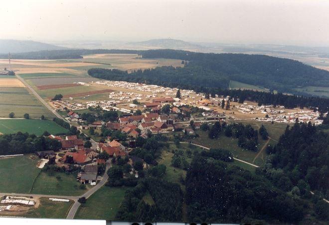 Luftbildaufnahme vom IFM-Camp 1994