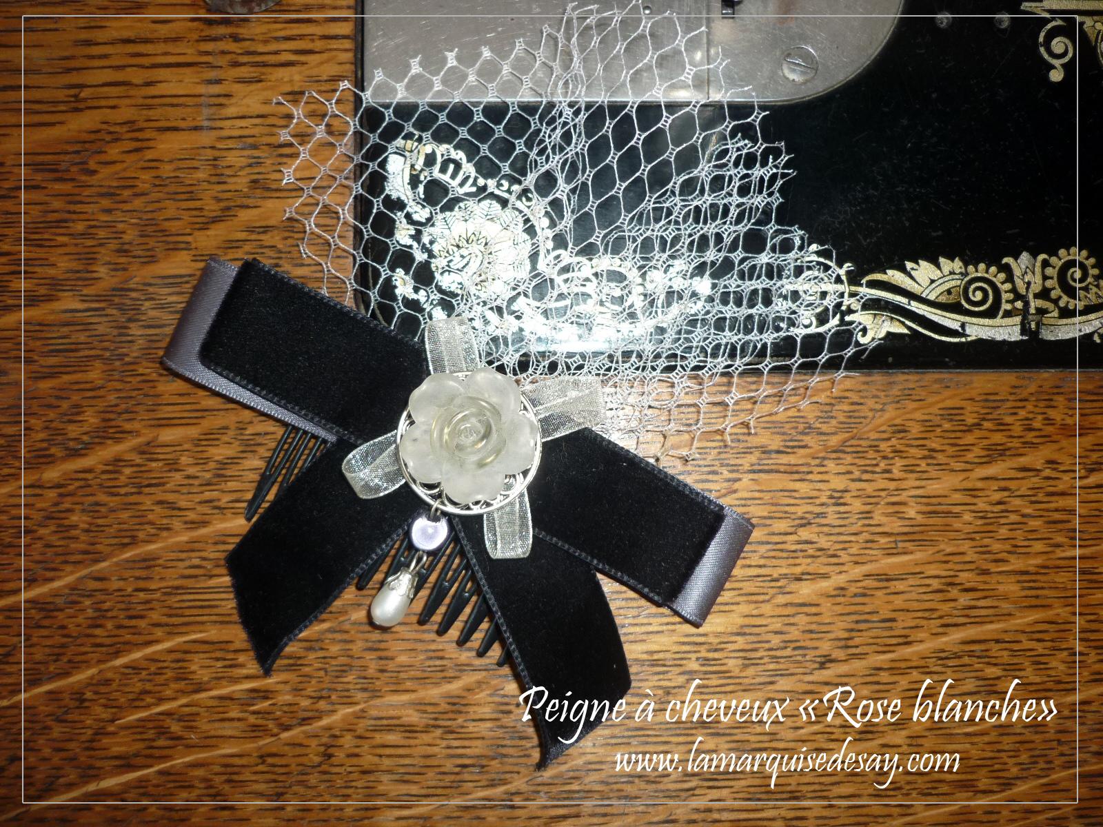 Peigne à cheveux rose blanche, style gothic lolita (EN VENTE)