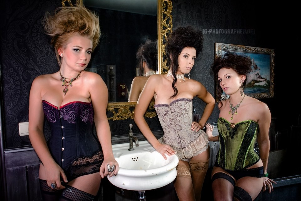 Corsets SENSUALITY, A L'AUBE D'IRIS, LADY ABSINTHE.