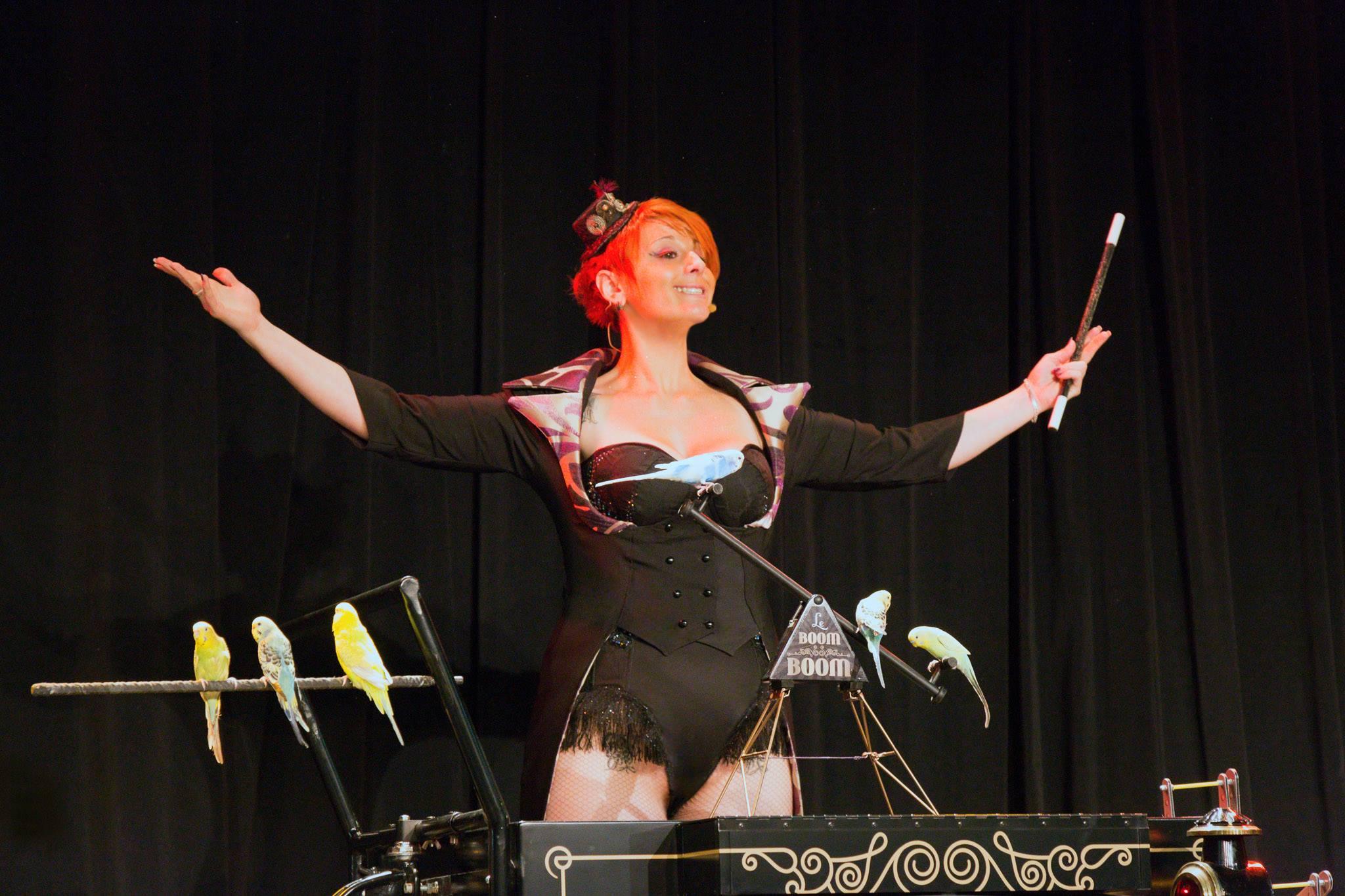 Body corseté - Noir avec strass et broderies