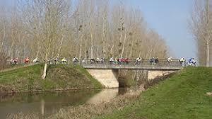 pont sur le canal de la Dive