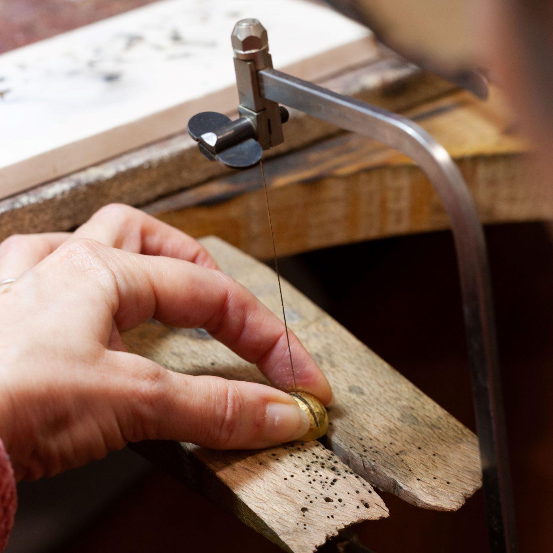 Utilisation de la scie de bijoutier