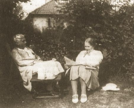 Eleanor Rathbone mit Elizabeth Macadam