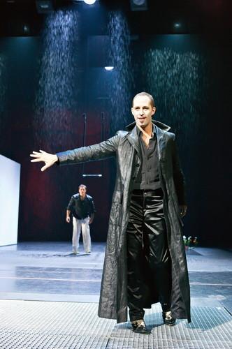 Faust I – Christoph Wieschke und Sascha Oskar Weis © Christian Schneider, Landestheater Salzburg