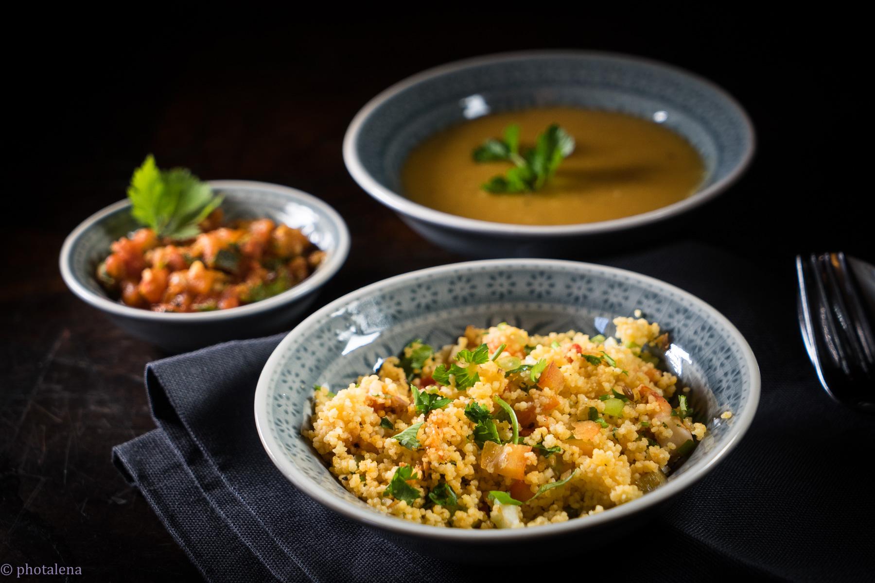 Couscous mit Garnelen / rote Linsensuppe mit Kumin und frischer Minze