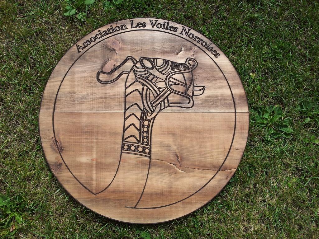 Logo sur bois