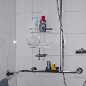 Haltegriffe in der Dusche