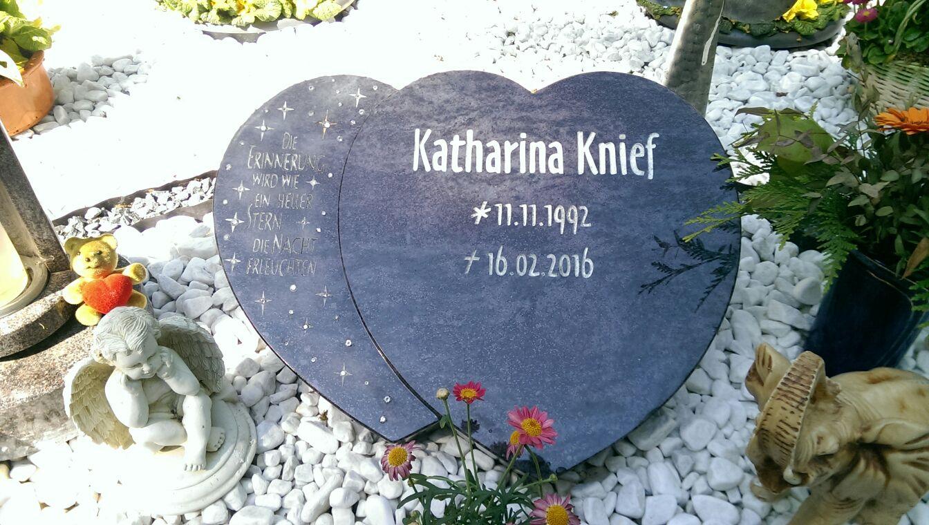 Ihr Grab nach der Beisetzung