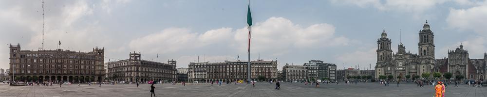 Am Zocolo der Stadt Mexico