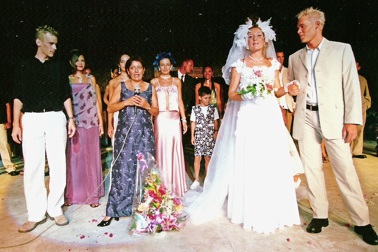 Défile Hotel Beachcomber - Tahiti 2000